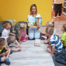 Przedszkolaki odwiedziły Gminną Bibliotekę w Kunicach