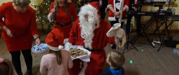 Dzieci z Jaśkowic odwiedził Święty Mikołaj