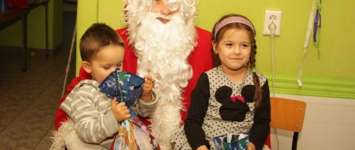 Do Piotrówka przyleciał Święty Mikołaj