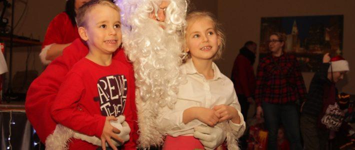 Święty Mikołaj spotkał się z dziećmi w Kunicach