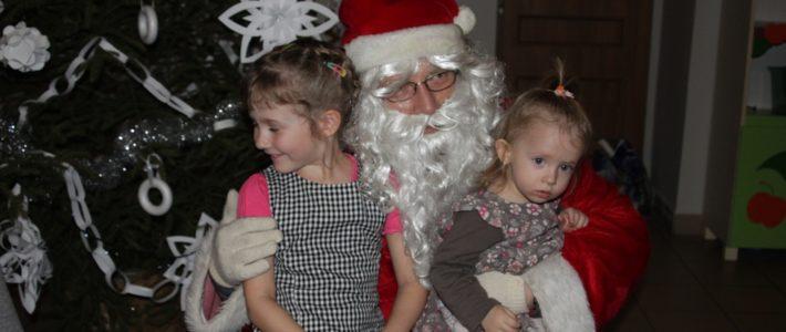 Święty Mikołaj przyleciał do Pątnowa