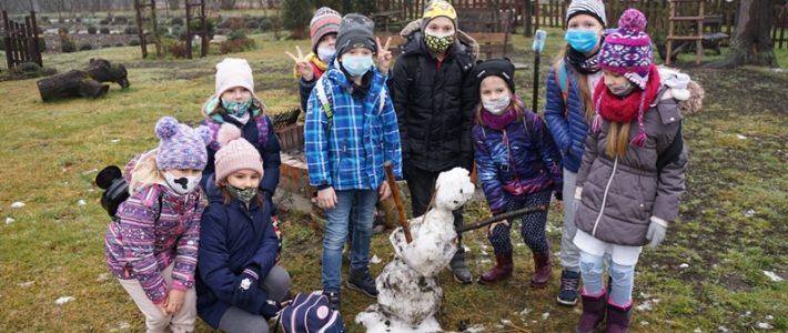 Półkolonie w Kunicach – Gminny Ośrodek Kultury i Sportu w Kunicach zapewnił dzieciom atrakcyjne ferie zimowe