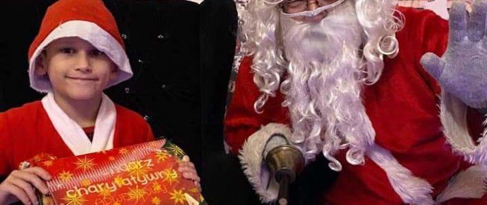W Rosochatej dzieci spotkały się z Mikołajem